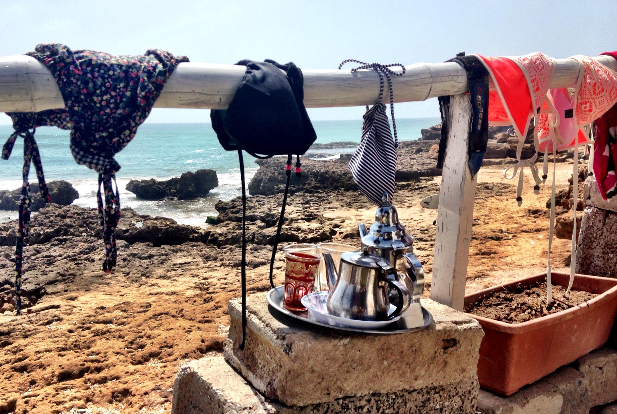 0_TITEL_terrace_view_Bikinis
