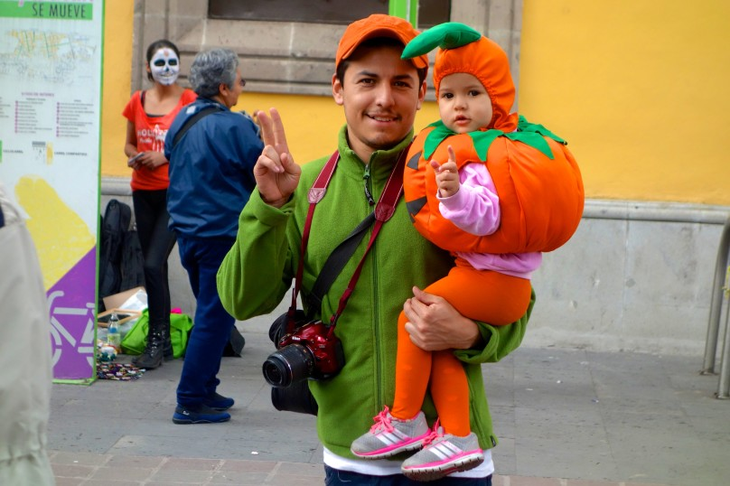 0.Dad_Baby_Peace