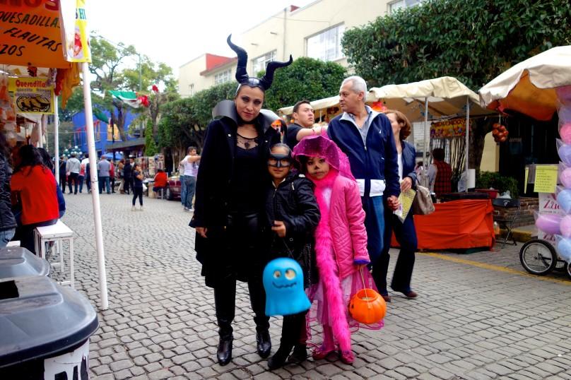 0.Family_Posing