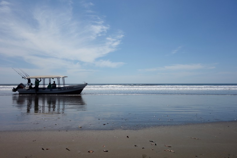 16_Beach_Boat